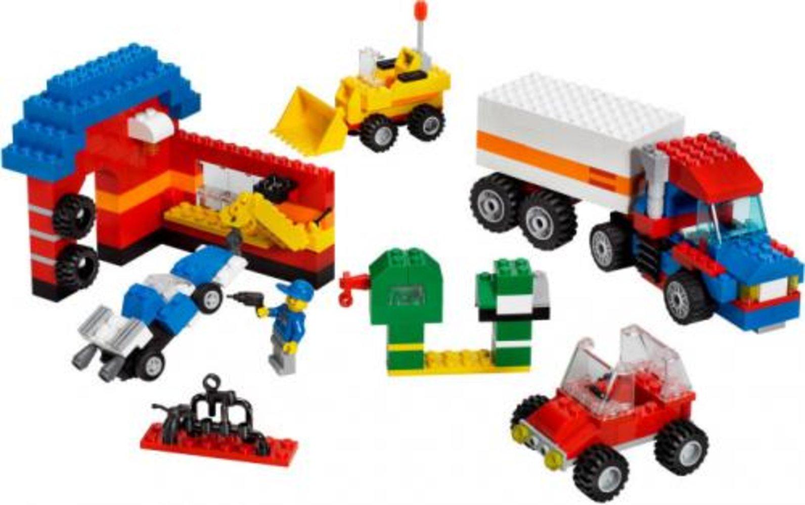 Ultimate LEGO Vehicle Building Set