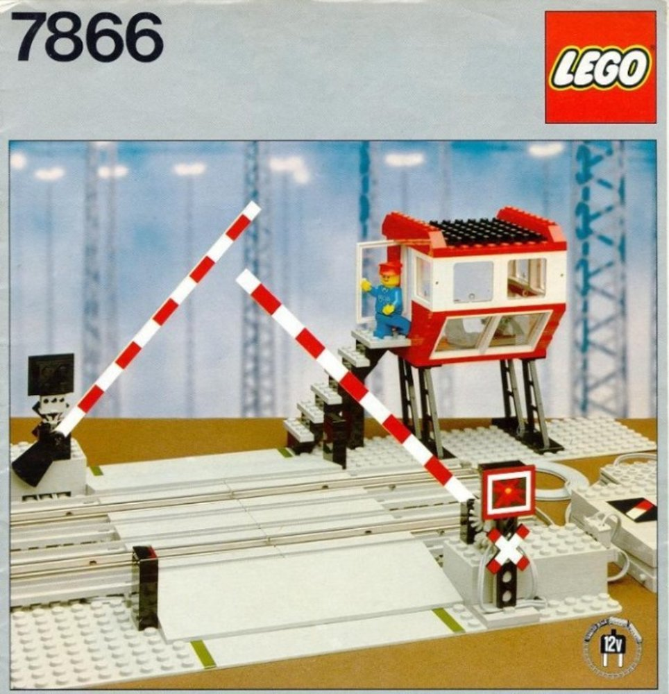 Lego Train 7866 pas cher, Remote Controlled Road Crossing