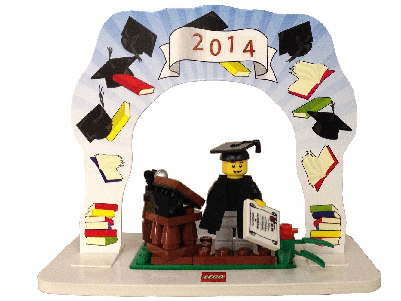 Classic Minifigure Graduation Set
