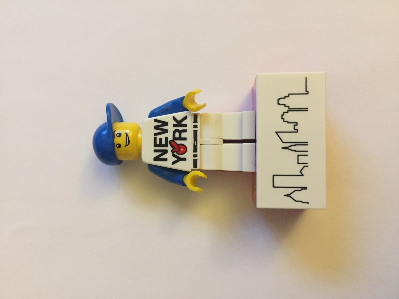 New York Minifigure Magnet