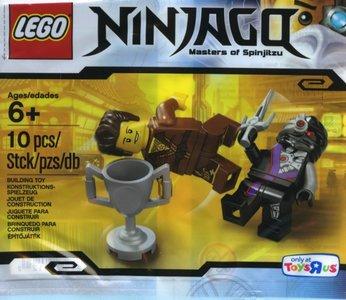 Lego Ninjago 5002144 Dareth vs. Nindroid